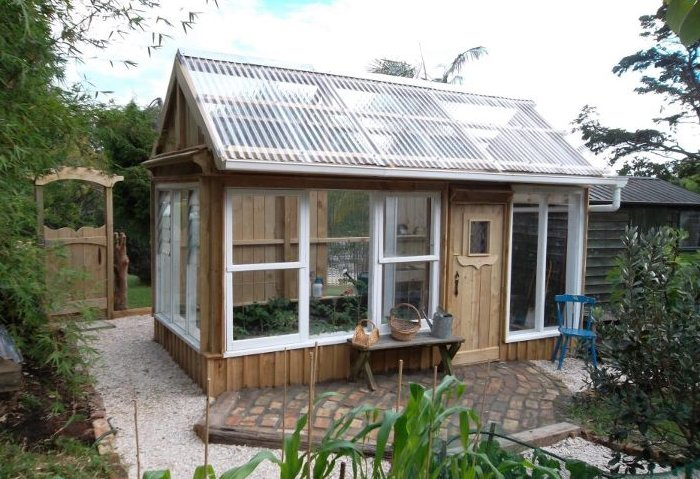 Green house for How to build a greenhouse using old windows
